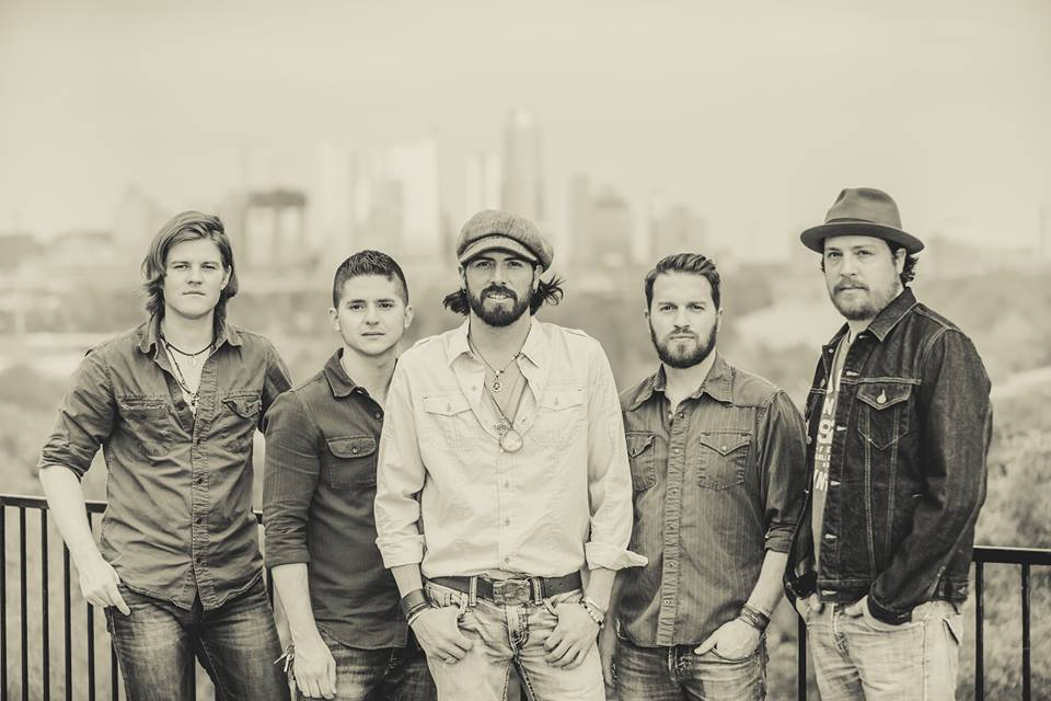 Live Music: Micky & The Motorcars