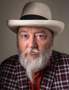 Kevin Russell (Shinyribs) & the Shiny Soul Sisters Trio @ Dosey Doe - The Big Barn